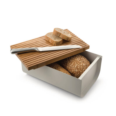 Bg03 021 bread and knife